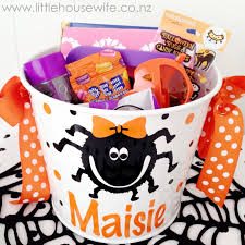 little housewife halloween baskets