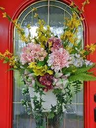 Easter And Spring Door Decorations by 30 Best Door Decorations Images On Pinterest Spring Wreaths