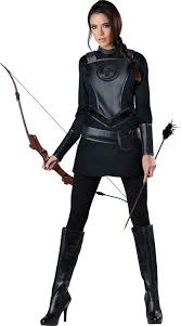 amazon women s halloween costumes amazon com incharacter costumes women u0027s warrior huntress costume