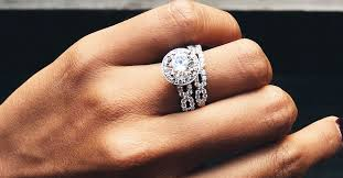 engagement ring etiquette engagement etiquette 101 everything you need to whowhatwear
