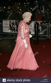 hrh queen elizabeth ii arrives a bunch of amateurs film premiere