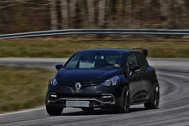clio renault 2016 renault reveals crazy special 275hp clio rs 16 concept w video