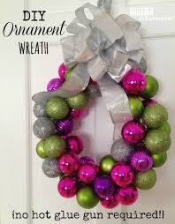 easy ornament wreath for hometalk