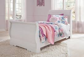 White Sleigh Bed Sleigh Bed In White B129t