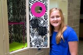 Chandeliers For Less by How To Decorate A Locker For Less Mylitter One Deal At
