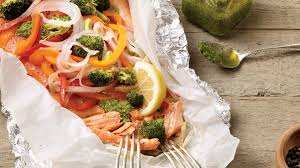 cuisiner truite enti鑽e papillote de truite saumonée au pesto recettes iga facile bbq