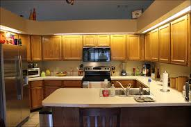 kitchen what wall color goes with hunter green countertops