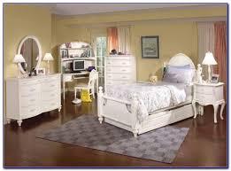 White Pine Bedroom Furniture Set Bedroom  Home Design Ideas - White pine bedroom furniture set
