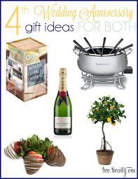 Best Wedding Present The Best Wedding Anniversary Gift Gift Ideas Bethmaru Com
