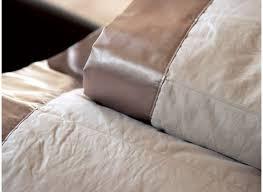 jeté de canapé taupe couvre lit haut de gamme achat couvre lit de qualité de solène