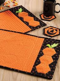 540 best halloween quilts images on pinterest halloween quilts
