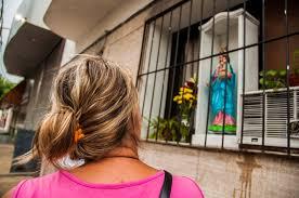 imágenes religiosas que lloran sangre lágrimas en avellaneda marta hilda y la virgen que llora sangre