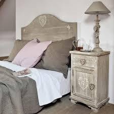 chambre maison du monde table de chevet avec tiroir en paulownia grisée chevet camille