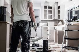 peinture d armoire de cuisine transformer ses armoires de cuisine grâce à la peinture le