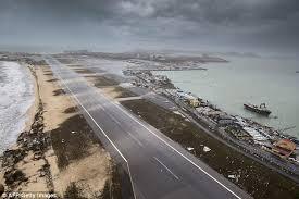 simon pearce hurricane ls hurricane irma sand heaped on st maarten airport runway daily