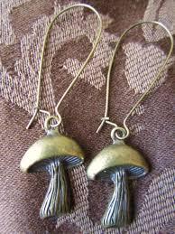 skyrim earrings treasure box trinkets one s trash is another s treasure