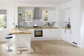 cuisine design blanche idee cuisine blanche et bois