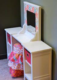 Childrens Vanity Desk Best 25 Girls Vanity Table Ideas On Pinterest Vanity For