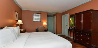 king bed room with jacuzzi rooms admiral fell inn fell u0027s
