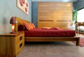 letto a legno massello da letto in noce massello ecologica grandacasa