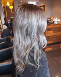best way to blend gray hair into brown hair root stretch blended into icy blonde ends created by hays