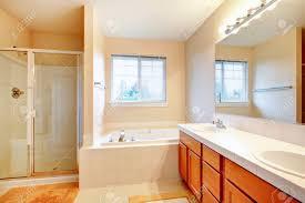 badezimmer fliesen elfenbein kreativ badezimmer fliesen elfenbein mit badezimmer ruaway