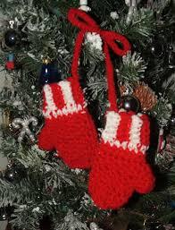 l il mittens ornament 4 1 2 free crochet pattern
