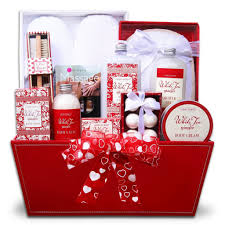 cute gift basket idea for guys for his birthday or valentines day