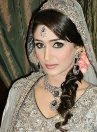 bridal hair for oval faces best 25 pakistani wedding hairstyle images ideas on pinterest