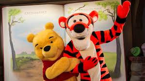 meet winnie pooh tigger fantasyland walt disney