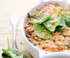 cuisiner des epinards frais crumble d épinards au fromage frais recette de cyril lignac