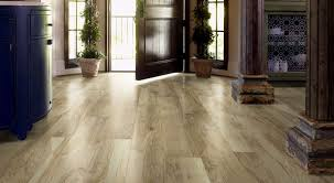 Shaw Flooring Laminate Grand Summit Sl093 Classic Hickory Laminate Flooring Wood