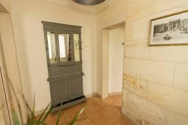chambre avec mur en entrée avec murs en de la chambre la bordelaise photo de la