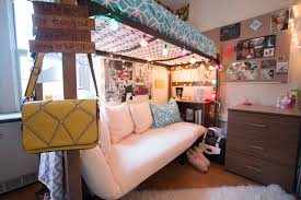 kind of a good idea for the bedroom bunk bed with a couch bottom
