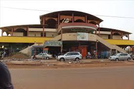 un bureau de change braquage en pleine journée aux halles de bamako la caisse d un