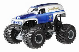 monster truck power wheels grave digger amazon com wheels monster jam grave digger the legend die