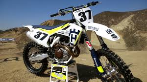 motocross action 450 shootout first ride 2017 husqvarna fc450 motocross action magazine youtube