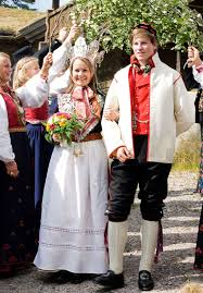 traditional wedding attire how traditional wedding look around the world 15 pics