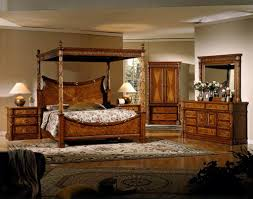 Wood Canopy Bed Bring To Your Room With Solid Wood Canopy Beds