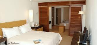 salle d eau dans chambre habitez en nord isere b une salle de bains b dans la chambre