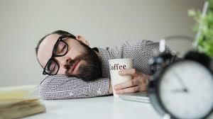 sieste au bureau un café avant la sieste la combinaison idéale