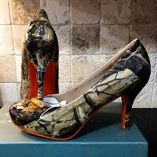 wedding shoes help me you had me at camo camo wedding shoes