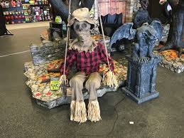 spirit halloween 2016 props spirit halloween sales associate salaries glassdoor east moco