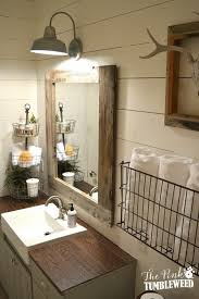 Bathrooms With Mirrors by 17 Beste Ideeën Over Farmhouse Bathroom Mirrors Op Pinterest
