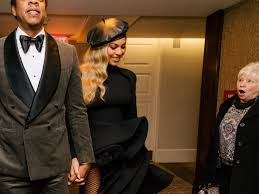 Jay Z Beyonce Meme - grammys 2018 photo of woman staring at beyoncé and jay z gets memed