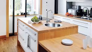 cuisine plan de travail bois massif pourquoi choisir un plan de travail en bois ou en stratifié