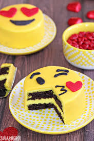 chocolate emoji emoji cakes sugarhero