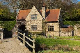 english style house old english house like the historic cottage feel stone cut