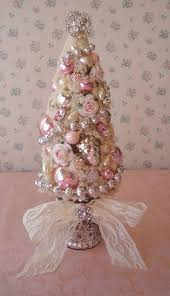 44 delicate shabby chic christmas décor ideas digsdigs
