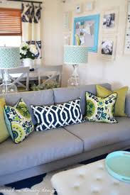 Small Living Room Ideas On A Budget Best 25 Couch Pillow Arrangement Ideas Only On Pinterest